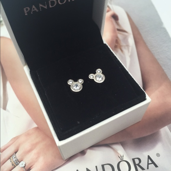 07cdc986b5874 usa pandora disney mickey earrings 81f80 dcaf7