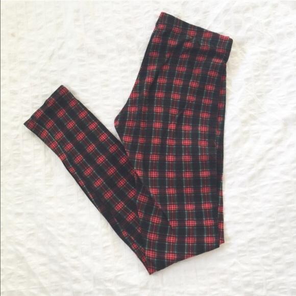 52 Off Tres Bien Pants Sold Plaid Tartan Stretch