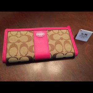 Coach Slim Zip Wallet