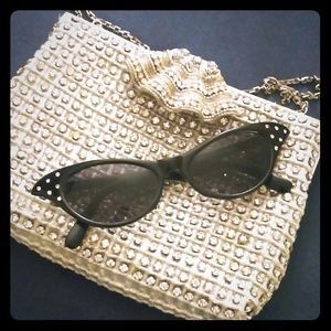 ☆Host pick!☆ Cat's eye sunglasses with rhinestones