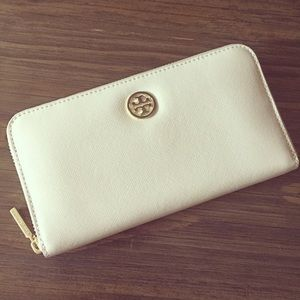 Tory Burch Robinson Continental Zip Wallet