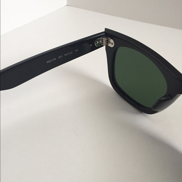 original ray ban wayfarer nkz2  Ray-Ban Accessories