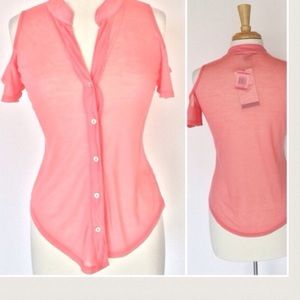 🆕LISTING Peach Cold Shoulder Top❗️SALE❗️