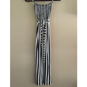 Zinga Dresses & Skirts - Zinga Black and White Striped Maxi Dress