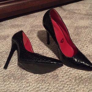 Shoes - Patent heel