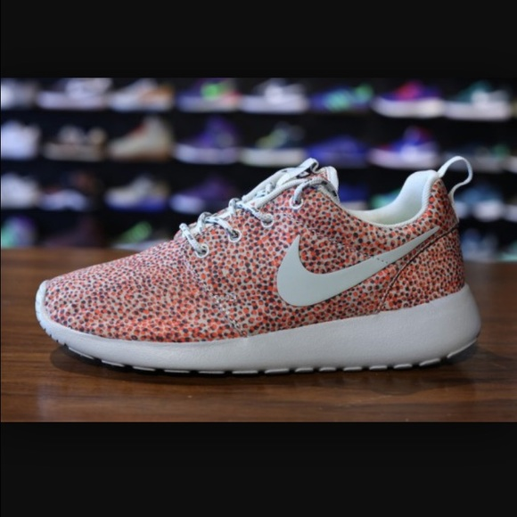 dc28357e2124 clearance yellow green womens nike roshe run speckle shoes 02974 78344