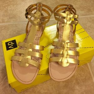 DV By Dolce Vita   Gold gladiator sandal   Size  6