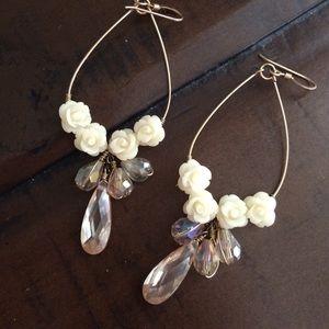 Jewelry - Lovely rose and crystal like tear drop earrings