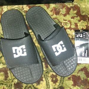 a34c18900a888 DC Shoes - NEW BOYS DC SLIDES SANDALS SZ 2