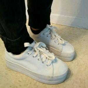 851e4e35ae77 Vintage Shoes - BOGO 50% off 90s Vintage White Platform Sneakers