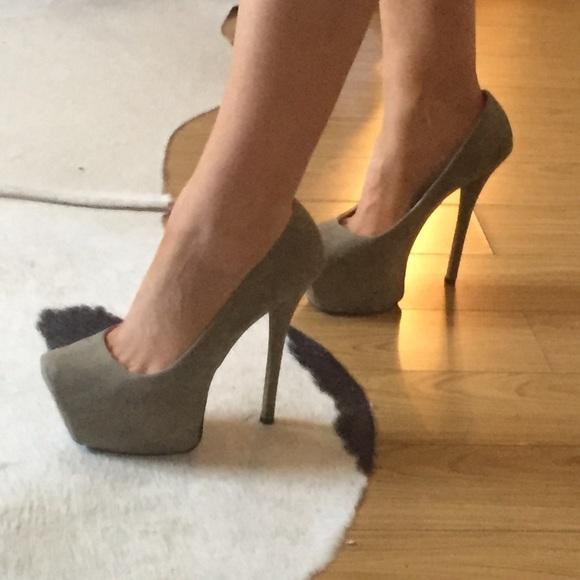 Nwot Olive Green Platform Heels