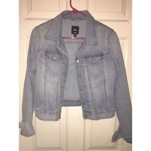 Gap light wash jean jacket NWOT