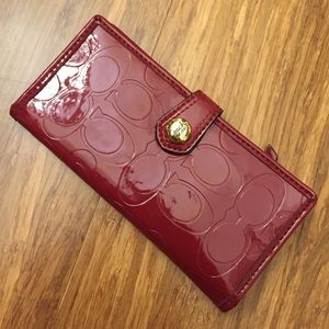 Coach red liquid leather slim wallet euc