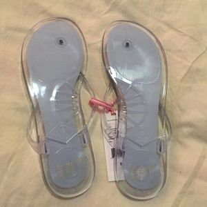 9a46f802d4cb Vineyard Vines Shoes - New! Vineyard vines jelly Flip flop size 8