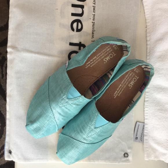 6d093d3b840 TOMS Size 5 Turquoise Metallic linen shoes