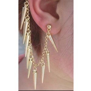 Spiked silver ear cuff earring