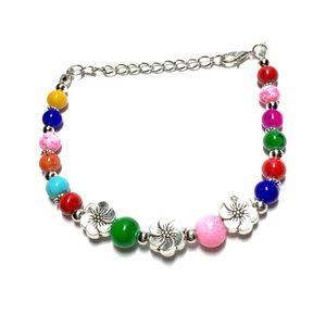  Colorful bracelet with flowers