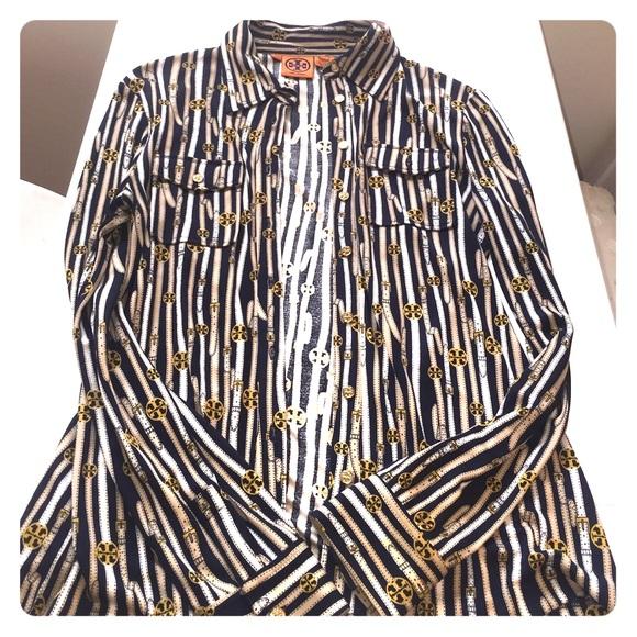 f8a5472960b1d Tory Burch iconic logo silk shirt. M 558b2f04a06f8009c9000664
