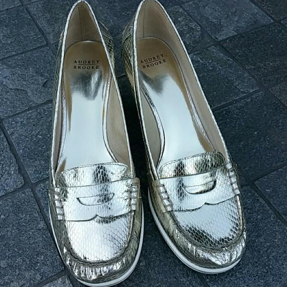 Audrey Brooke Veronika gold wedge snakeskin loafer