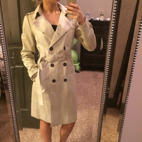 Zara Jackets & Blazers - LAST CHANCE ! Zara trench coat S
