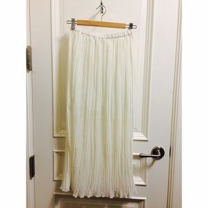 Monki Maxi Skirt (Light Creamy White)