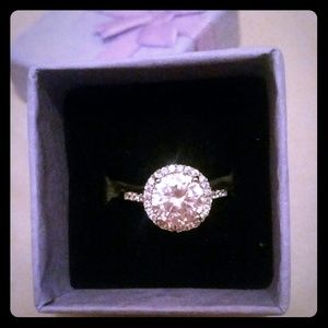 Jewelry - 14k White Gold Halo Engagment Ring