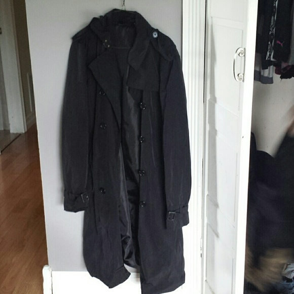 Black rain jacket without hood