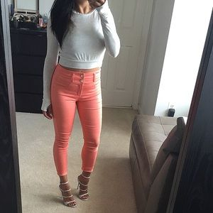 Pants - Perfect peachy coral cropped jeggings