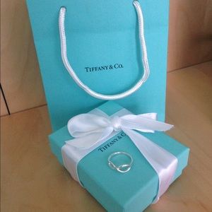 Tiffany & Co. Infinity Ring
