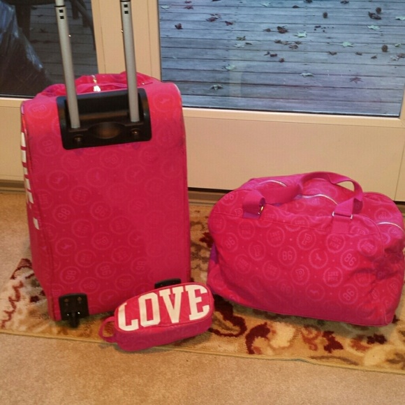 PINK Victoria's Secret - *Price is FIRM PINK by V.S. Luggage Set ...