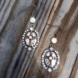 Jewelry - Pedant Pearl Medallion earrings