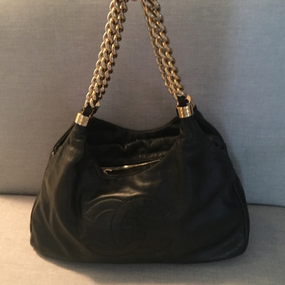 2a32e3ed9bb Authentic Chanel Black Leather bag gold chain