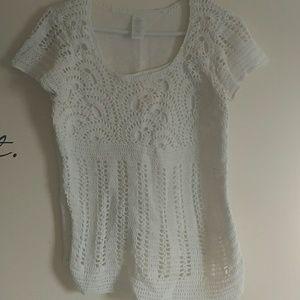 Tops - Crocheted light short sleeved sweater