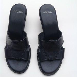 SOLD 🌸Leather black sandals slides shoes size 7