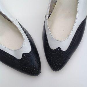 RETRO vintage leather wing tip saddle heels 6.5