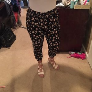 Garage Pants - Soft floral printed pants