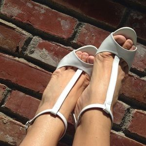Zara, Leather White heel, like new!