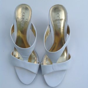 CONNIE like new white leather sandals slides shoes