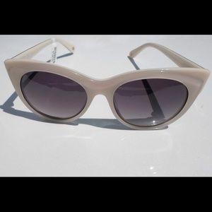 cb7833cddee Anthropologie Accessories - Anthropologie ett twa Signe Sunglasses Ivory NWT