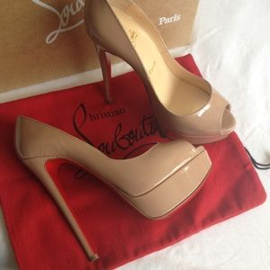 💯 Authentic Christian Louboutin Lady Peep