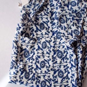 Japna Tops - Japna blue floral pocket tee