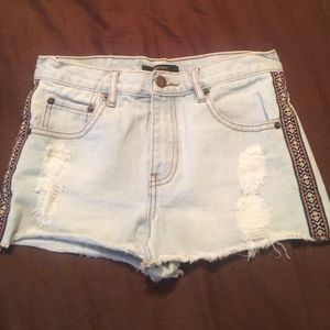 Forever 21 light washed Denim shorts. Size 24.