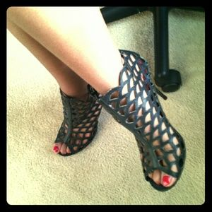 Shoes - Black Fishscale Heels
