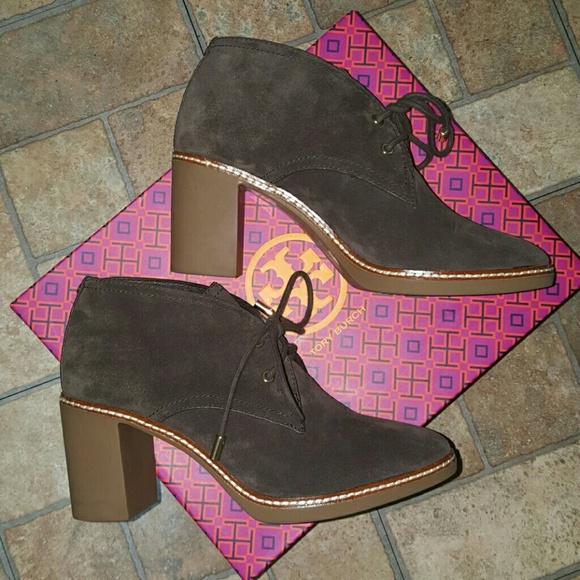 7afc89e5184 Sz8 Tory Burch Hilary Ankle Boots