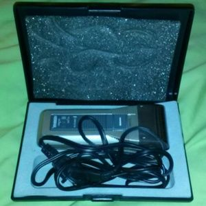 American Tourister Other - American Tourister electric shaver nwot