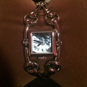 New and never worn Gucci watch!