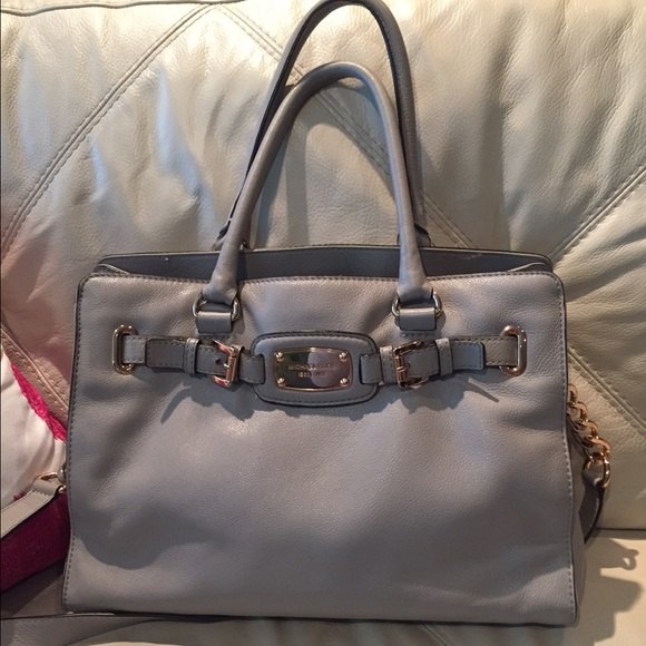 4db0707db7 Michael Kors Hamilton Grey purse with rose gold. M 558ebfff2bbdeb551200670e