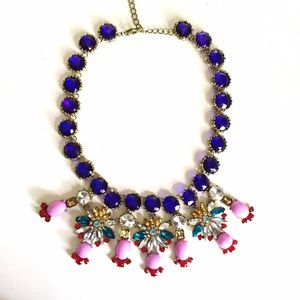 Jewelry - Sparkly statement necklace
