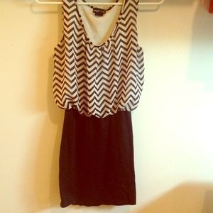 Adorable dress for spring summer and fall!!