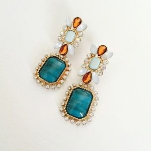 Jewelry - Dangly crystal earrings